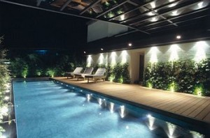 Milan-De-La-Ville-Hotel-Swimming-Pool